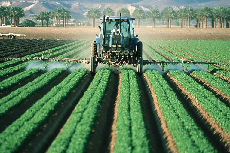 I fondi pubblici? A chi fa uso di pesticidi!