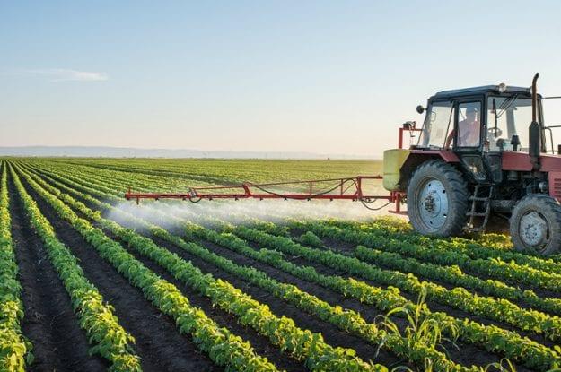 Mozione bipartisan approvata: più controlli sugli agrofarmaci