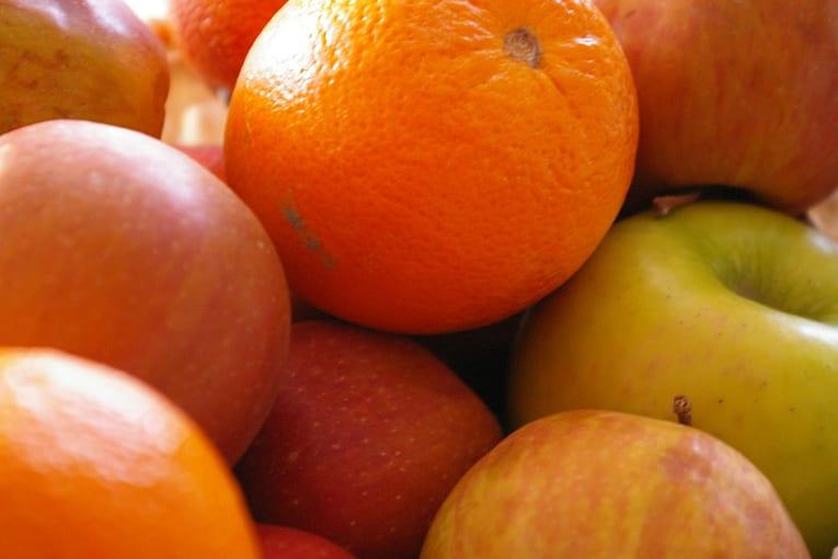 Dai rifiuti della frutta si può ottenere la bioplastica