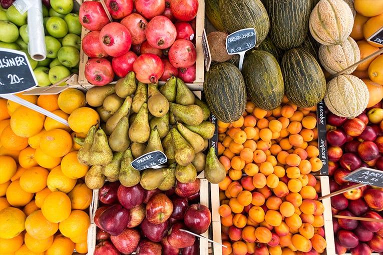 """È migliore la frutta biologica importata o quella """"in conversione al bio"""" locale?"""
