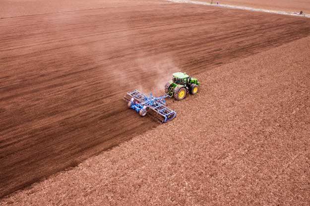 MEZZI TECNICI IN AGRICOLTURA BIO: UN WEBINAR PER FARE LUCE SUL NUOVO REGOLAMENTO EUROPEO